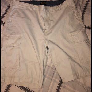 Cremieux cargo shorts NWT